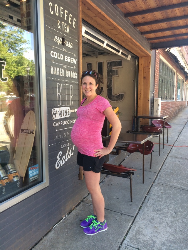 35 weeks pregnant - Love the stretch and length with the Lululemon Run Swiftly tee!